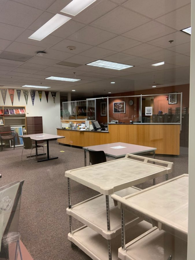 RMHS Guidance Office with new plexi-glass barriers.